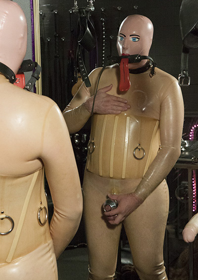 Rubber femdom pictures