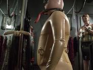 rubber-femdom-001