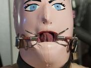 rubber-femdom-008